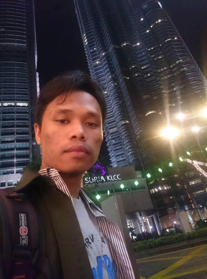KLCC Kuala Lumpur City Centre di Malam Hari