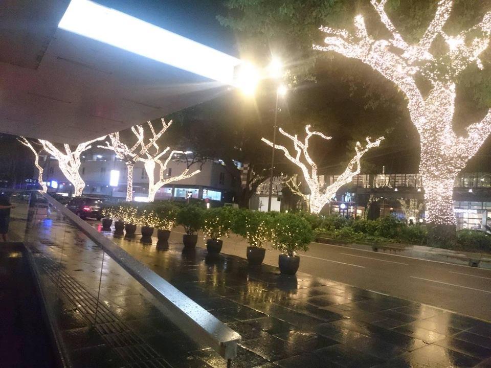 KLCC Menara Kembar Petronas Malam Hari