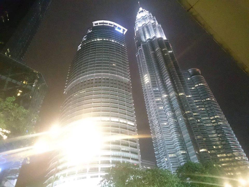 Menara Kembar Petronas Malam Hari