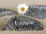 Romantis Banget! Inilah Bahasa Jawa Aku Cinta Kamu