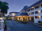Hotel Santika Premier